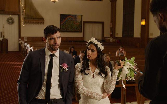 Фото №1 - Quiz: Cможешь угадать фильм по свадебному платью?