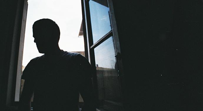Мужчины, которых бьют женщины: почему мы им не верим