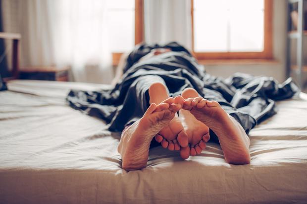 Фото №7 - Что делать, если презерватив порвался во время секса