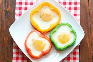 Фото №2 - 7 необычных и простых рецептов яичницы к завтраку