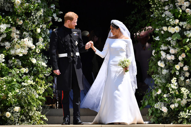Фото №1 - Когда жала не корона: на какое неудобство принц Гарри пожаловался Меган прямо на свадьбе