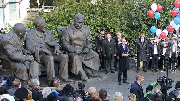 Фото №4 - Пять скандальных российских памятников и что с ними в итоге стало