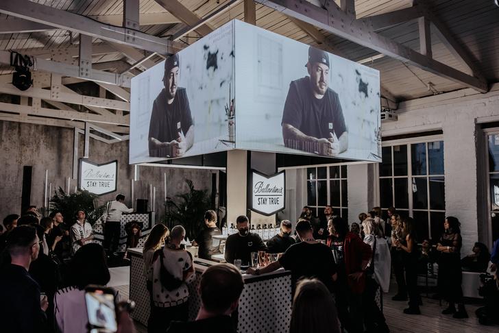 Фото №1 - Самое модное место в столице! Ballantine's x Joshua Vides Studio: спикизи-бар и танцпол