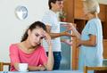 «Как убедить мужа разъехаться со свекровью?»