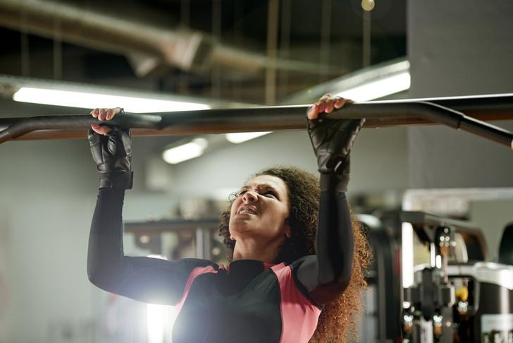 Фото №2 - Не навреди! 5 домашних упражнений, опасных для женщин