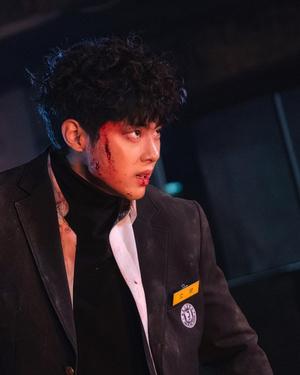 Фото №1 - Звезда дорамы «Чудесный слух» Чо Бён Гю ответил на обвинения в школьном буллинге