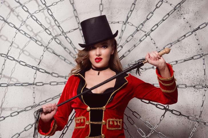 Фото №6 - Принцессы цирка: классификация девушек по фокусам, которых от них можно ждать