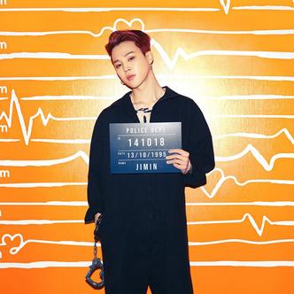 Фото №3 - Наручники-сердечки и тюремная роба: у BTS новая интересная фотосессия 💔