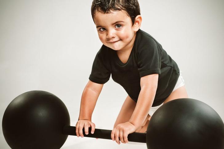 упражнения для физического развития детей с рождения