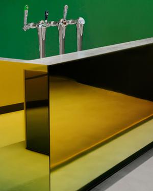 Фото №4 - Бар из цветного стекла в Лейдене