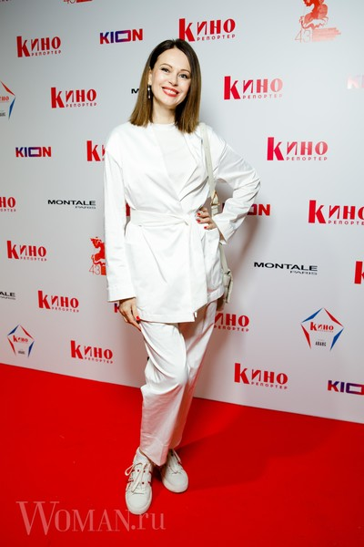 Фото №3 - «Голое» платье Потемкиной и ангельский наряд Бледанс: звезды посетили ежегодную White Party