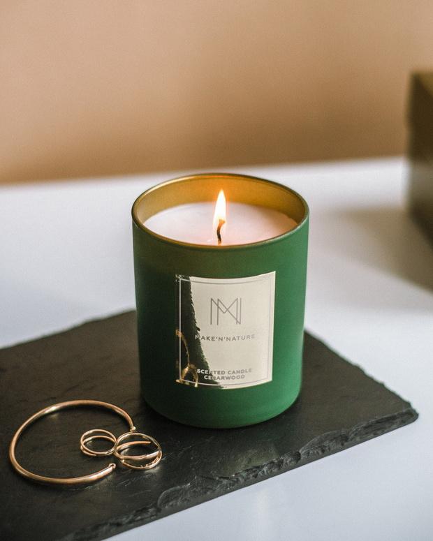 Фото №2 - Зимние свечи и ароматы для дома: выбор ELLE DECORATION