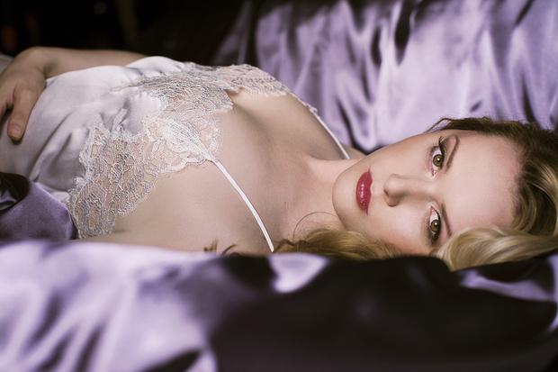 Фото №1 - Москва вдохновлена тончайшим кружевом белья от Джейн Вулич