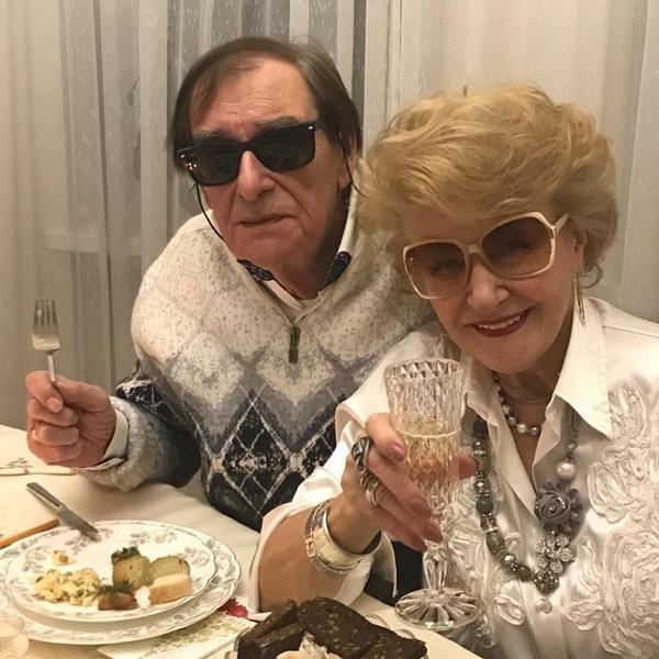 Фото №2 - И жили они долго и счастливо: самые крепкие пары среди российских звезд