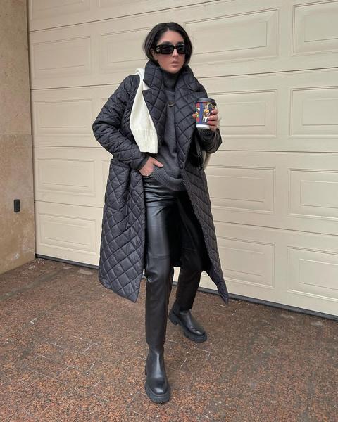 Фото №1 - 7 самых стильных длинных пуховиков на эту зиму ❄️