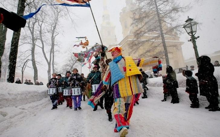 Фото №1 - Провожаем зиму: где в Петербурге погулять на Масленицу