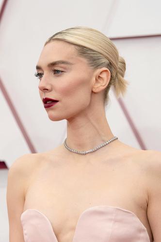 Фото №12 - Драгоценный «Оскар-2021»: самые роскошные украшения премии
