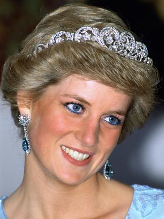 Фото №13 - От брошей до тиар: как королевские особы носят аквамарины
