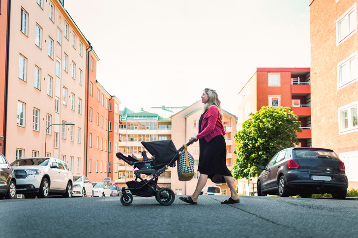 беременная походка, фигура после родов, походка после родов, утиная походка, проблемы с походкой, восстановление после родов,