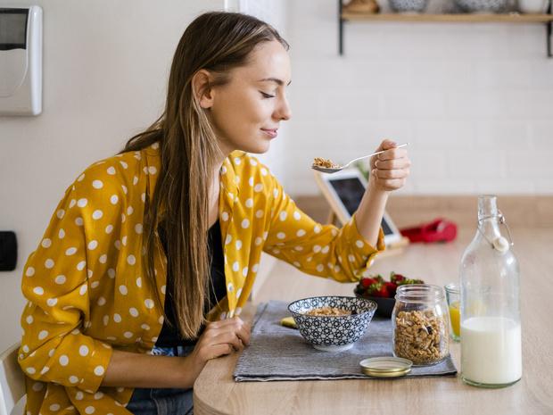 Фото №3 - Как отвлечься от мыслей о еде: 5 советов психолога