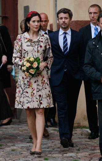 Фото №55 - Стильное положение: как одеваются беременные королевы, принцессы и герцогини