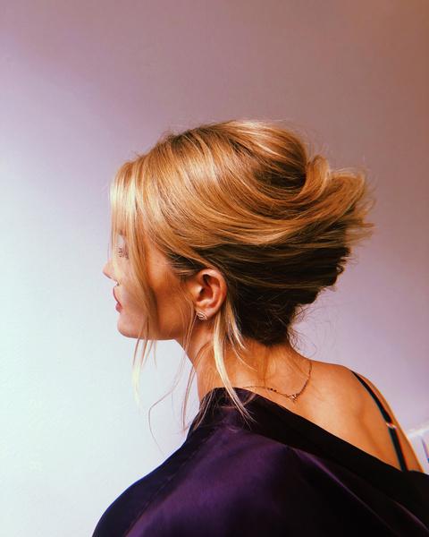 Фото №4 - Не успела помыть голову: 10 простых причесок для модных, но ленивых