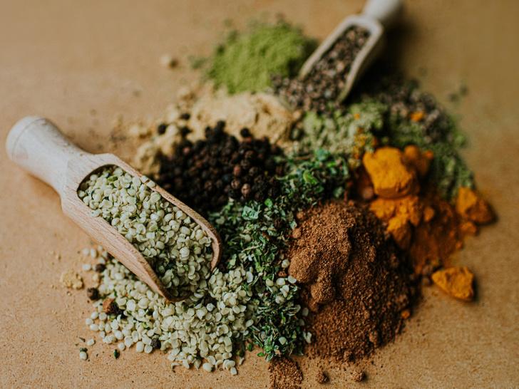 Фото №2 - Маски из чая: 5 лучших рецептов для разных типов кожи
