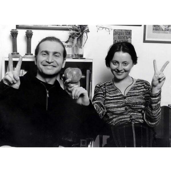Фото №2 - Самые крепкие звездные браки: секреты счастливой совместной жизни из первых уст