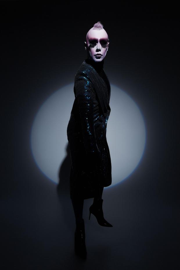 Фото №1 - Лорина Рэй: «Когда надеваешь платье, похожее на сияющие доспехи, это придает тебе сил»