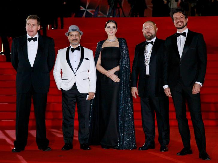 Фото №2 - Московский кинофестиваль 2020: лучшие образы церемонии закрытия