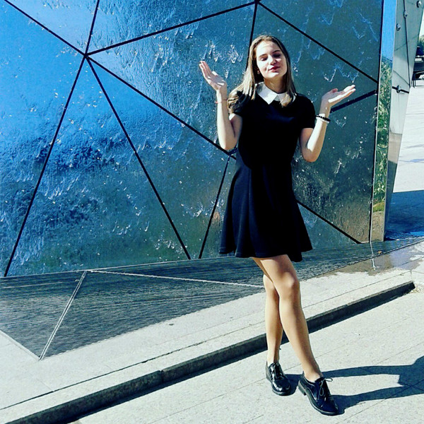 Фото №30 - В стиле Шанель: красивые девушки в черном