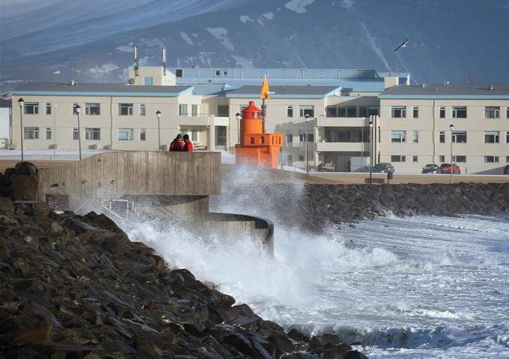 Фото №9 - Купальня Guðlaug baths в Исландии