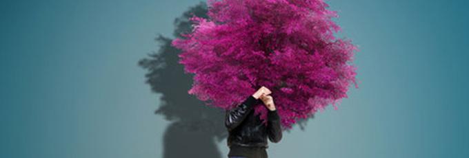 Как победить застенчивость: 6 секретов известных людей
