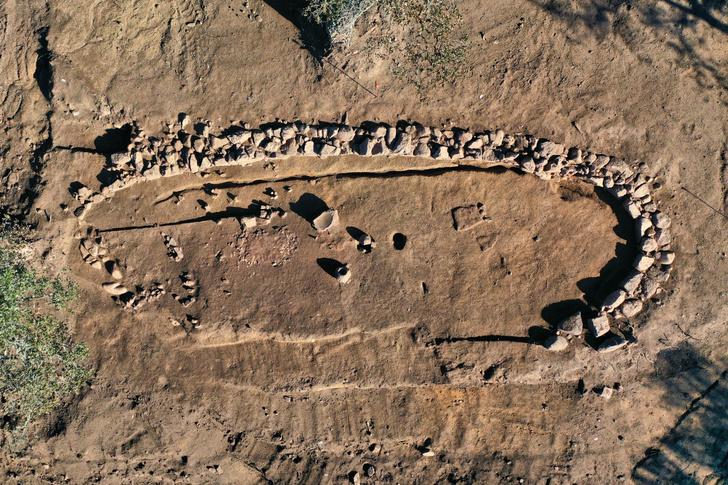 Фото №1 - Деревня бронзового века обнаружена на Корсике
