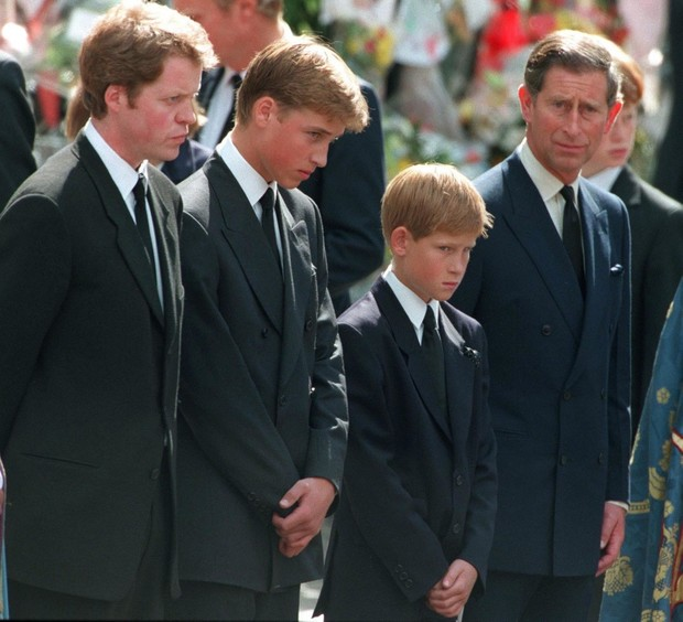 Фото №3 - Братская война: что на самом деле происходит в отношениях между принцами Гарри и Уильямом, комментируют эксперты