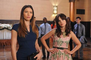 "Zooey Deschanel, Jessica Biel, ""New Girl"""