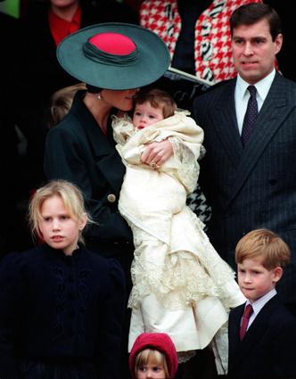 Фото №3 - Вопреки традициям: почему принцесса Евгения все еще не крестила своего сына