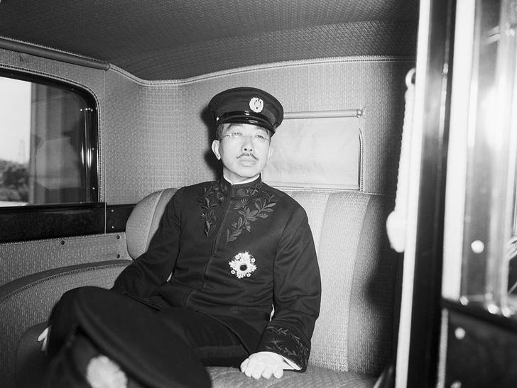 Фото №8 - «Изобилие и добродетель»: жизнь 124-го императора Японии Хирохито в 15 фотографиях