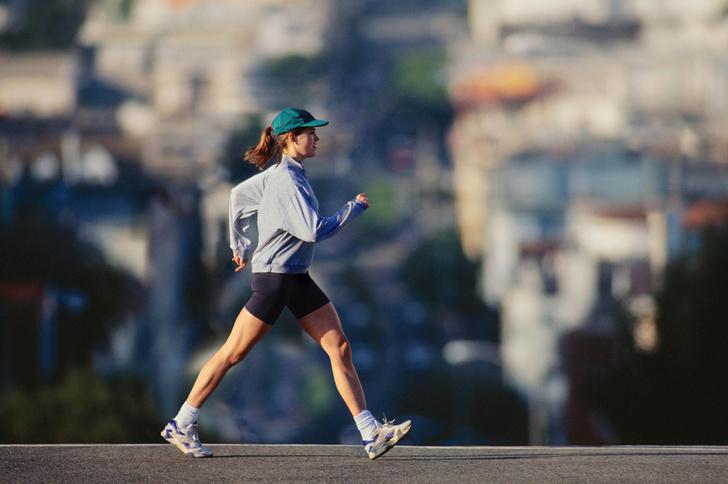 Фото №1 - Топ-5 спортивных направлений, которые в разы эффективнее для похудения, чем бег
