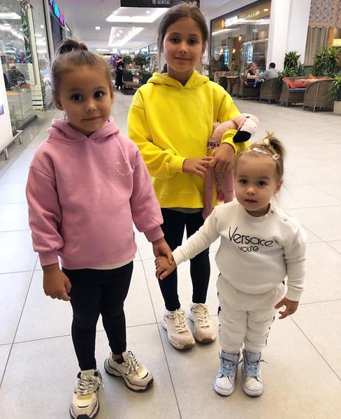 Фото №1 - «Гены?»: Оксана Самойлова не понимает, почему ее дети «пухлые»
