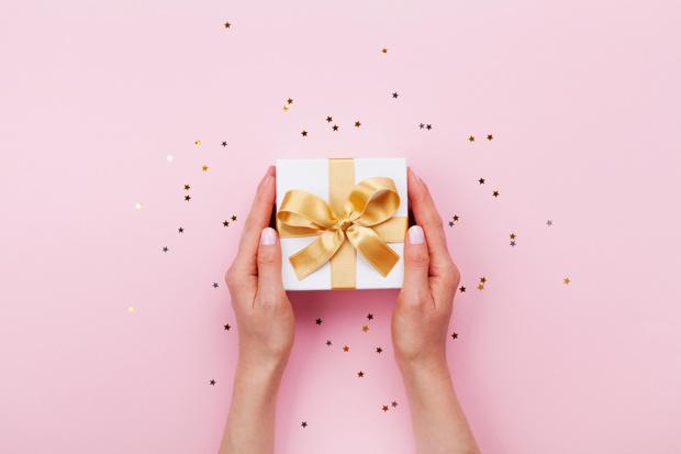 Фото №1 - 35 универсальных подарков на все случаи жизни