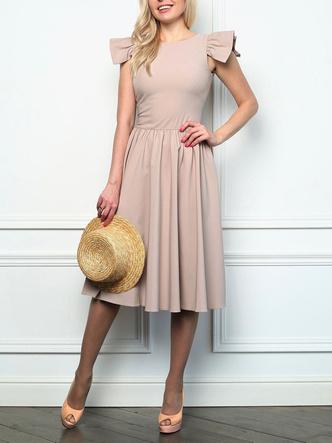 Фото №9 - Выбросить и забыть: 10 платьев, которые безнадежно устарели