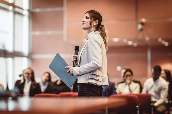 How to calm your nerves before speaking in public: 4 methods