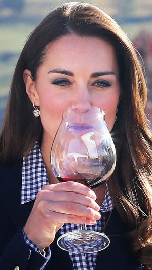 Фото №7 - Как менялся макияж герцогини Кейт за годы в королевской семье