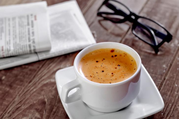 Фото №1 - Ученые выяснили, представители каких профессий пьют больше всего кофе