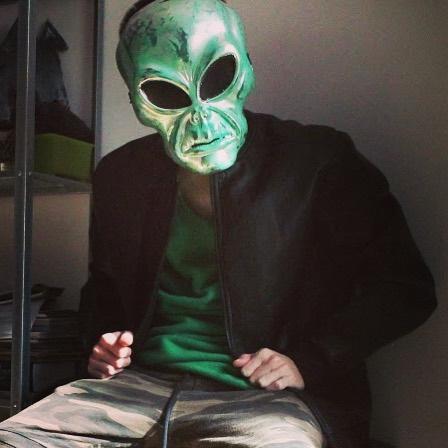 Фото №26 - 20 костюмов на Хэллоуин, которые можно носить с маской