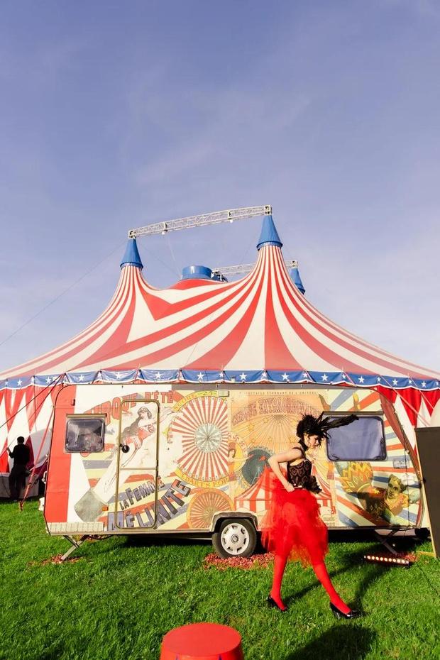 Фото №1 - Цирк, цирк, цирк! Как прошла самая громкая вечеринка ПМЭФ 2021