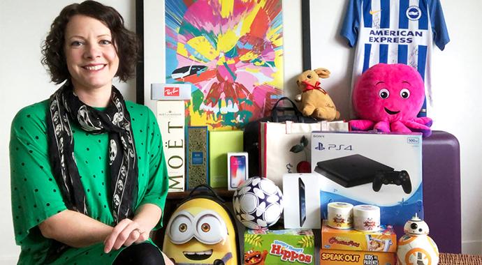 Жительница Брайтона превратила хобби в заработок: она участвует в розыгрышах и выигрывает призы