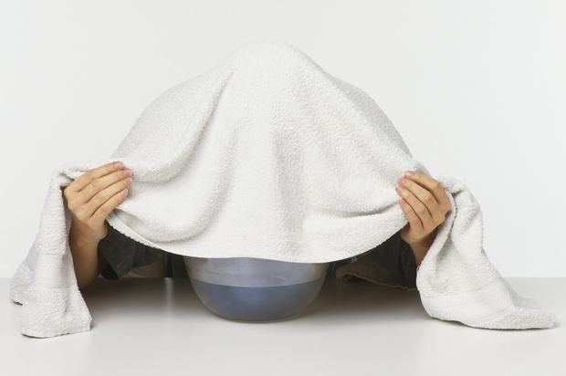 Фото №2 - Больно глотать: 5 домашних способов помочь ребенку с больным горлом