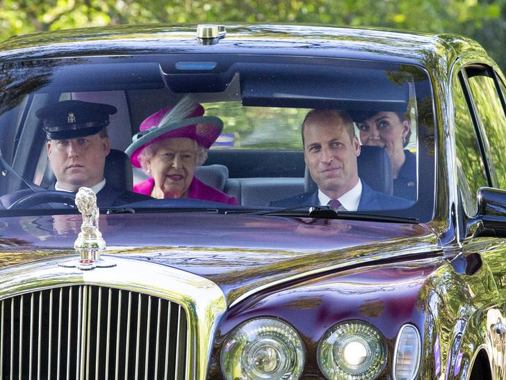 Фото №3 - Почему Елизавета считает, что Кембриджские больше подходят для престола, чем Чарльз